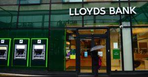 حواله به بانک لویدز به دست هوراد اکس ممکن می باشد و شما می توانی ارسال حواله به انگلیس خود را انجام دهید.